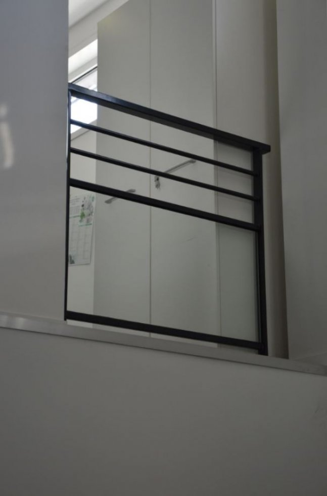 garde corps m tallique vitr. Black Bedroom Furniture Sets. Home Design Ideas
